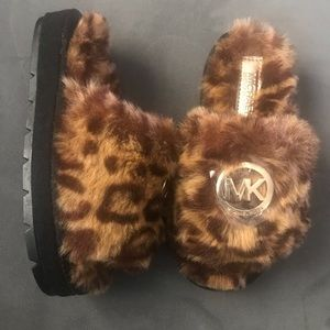 MICHEAL KORS KIDS FUR SLIPPERS